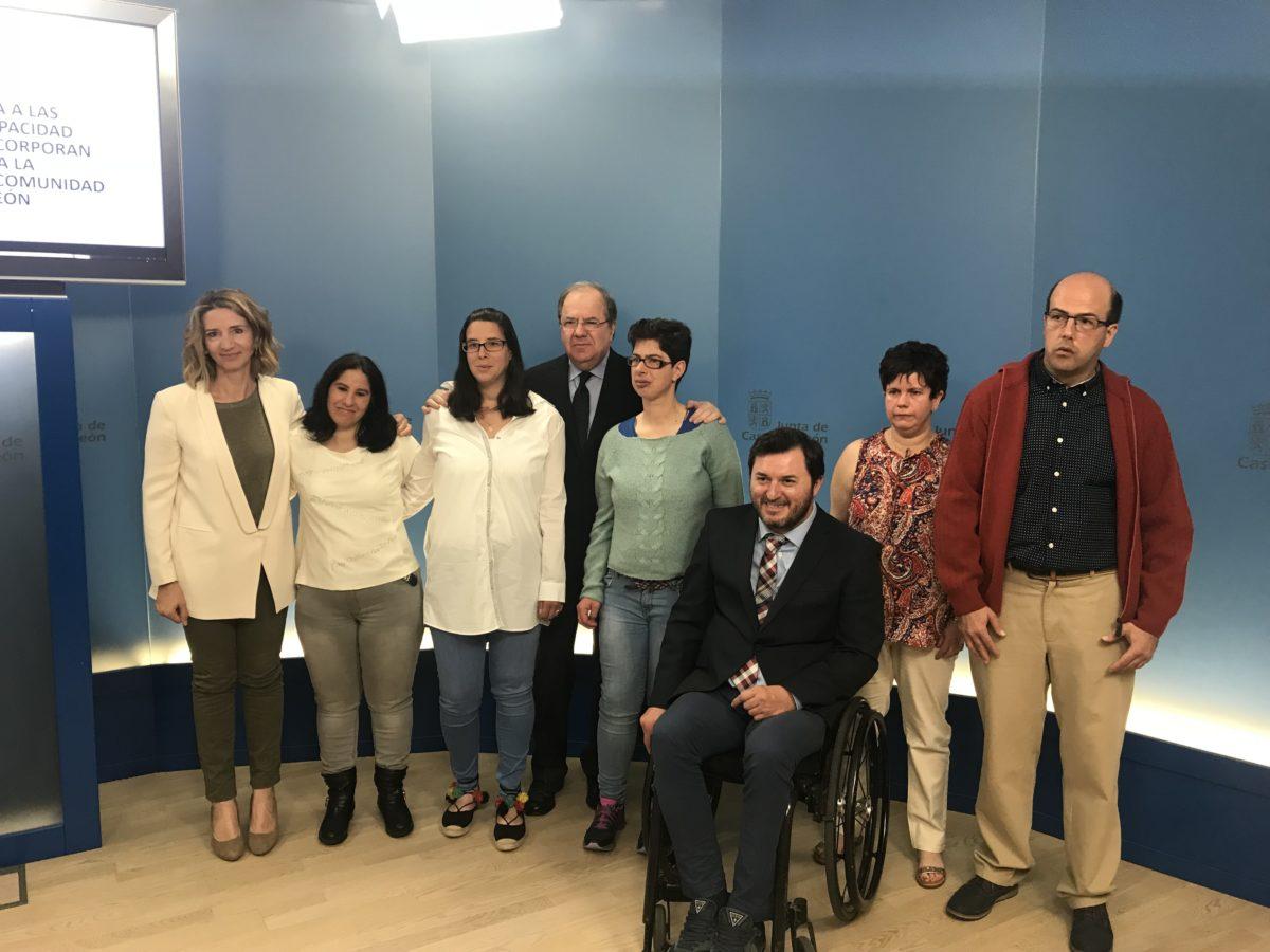 """CERMI Castilla y León aplaude el anuncio de la Junta de recuperar """"de forma progresiva"""" las cuantías de prestación de cuidados en el entorno familiar"""